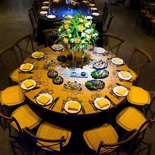 שולחן אוכל בחתונה